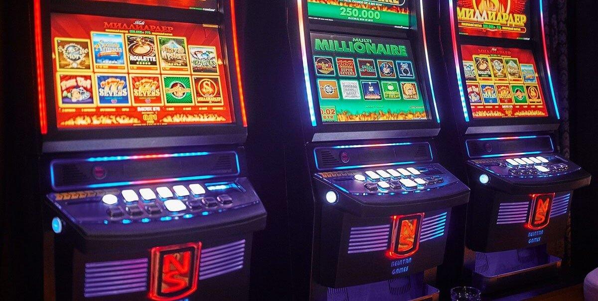 По какому принципу играют в игровые аппараты фильм i агент 007 казино рояль